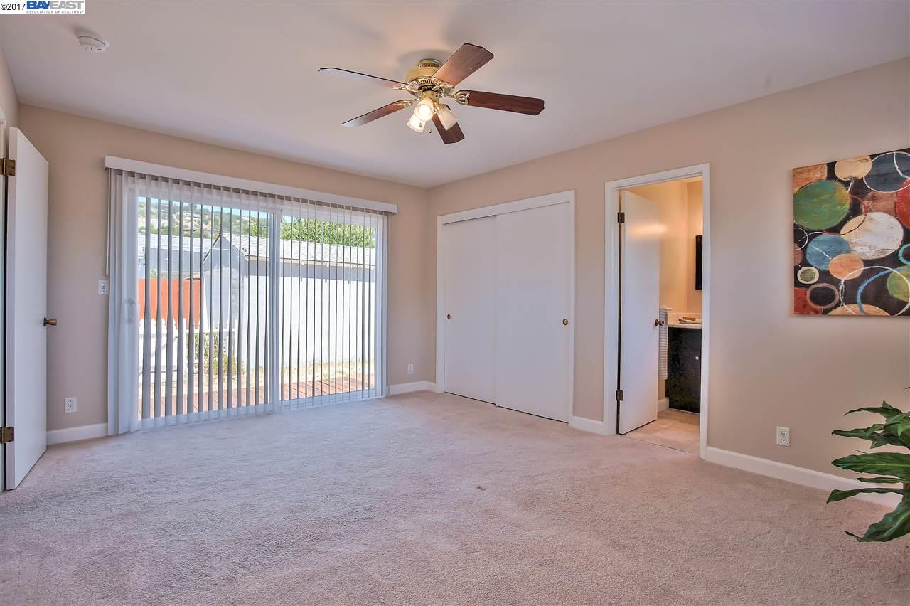Additional photo for property listing at 1752 140Th Avenue  San Leandro, Калифорния 94578 Соединенные Штаты