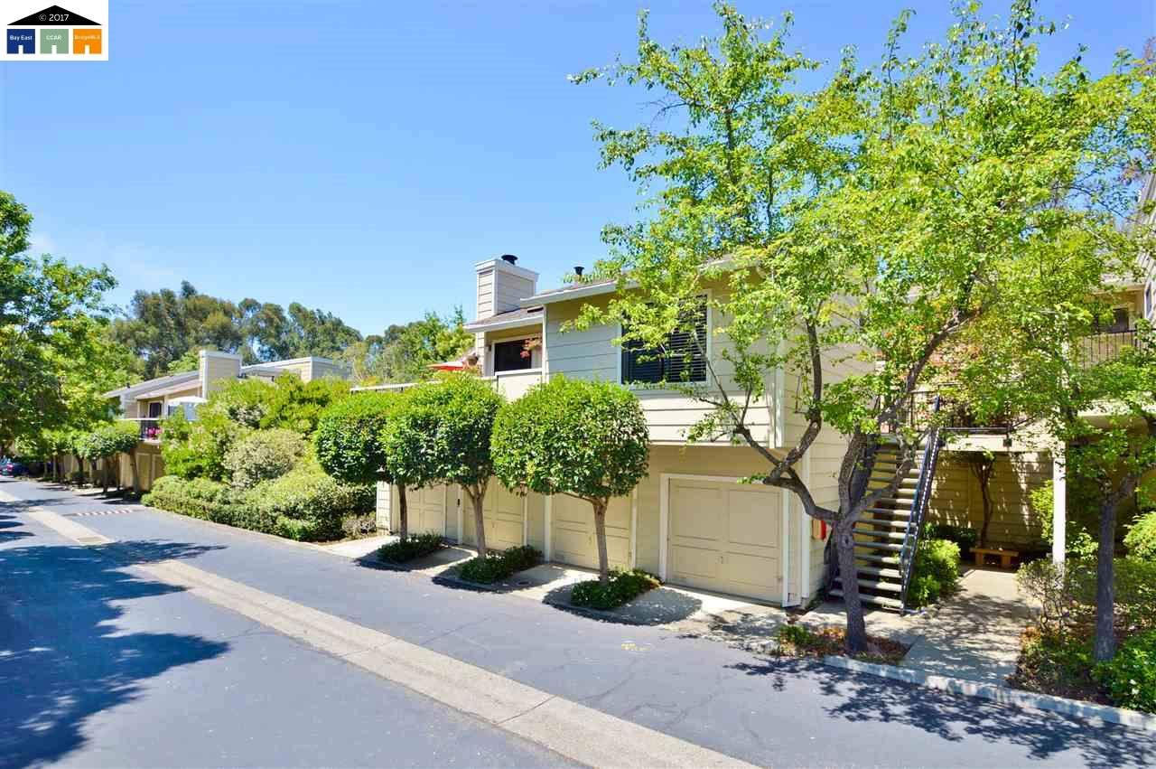 Additional photo for property listing at 2401 Saint Helena  Hayward, Californie 94542 États-Unis