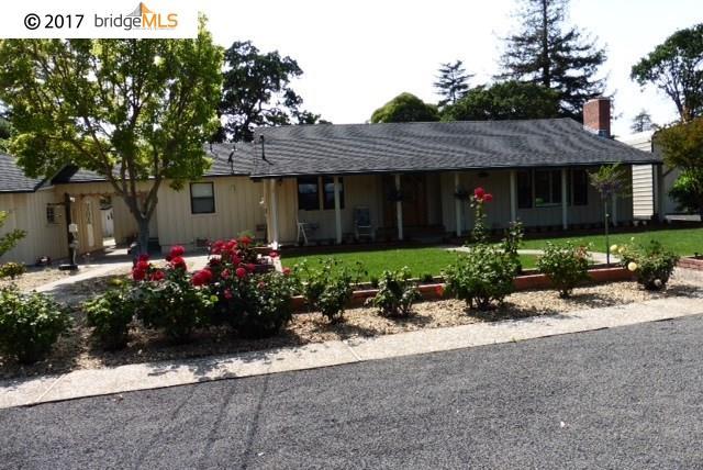 Maison unifamiliale pour l à louer à 1411 BOULEVARD WAY Walnut Creek, Californie 94595 États-Unis