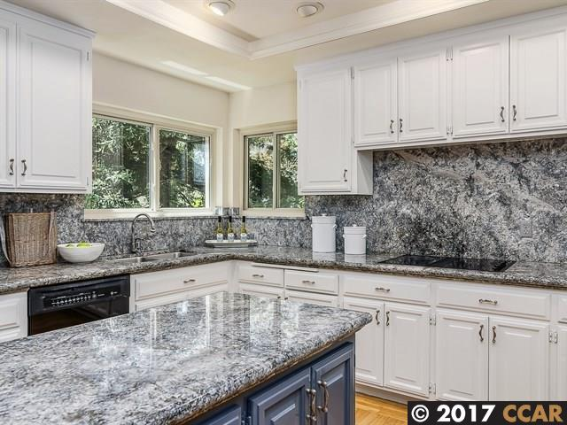 Additional photo for property listing at 32 Heather Lane  Orinda, California 94563 Estados Unidos