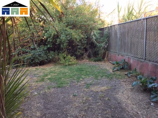 Additional photo for property listing at 832 E 21St Street  Oakland, California 94606 Estados Unidos