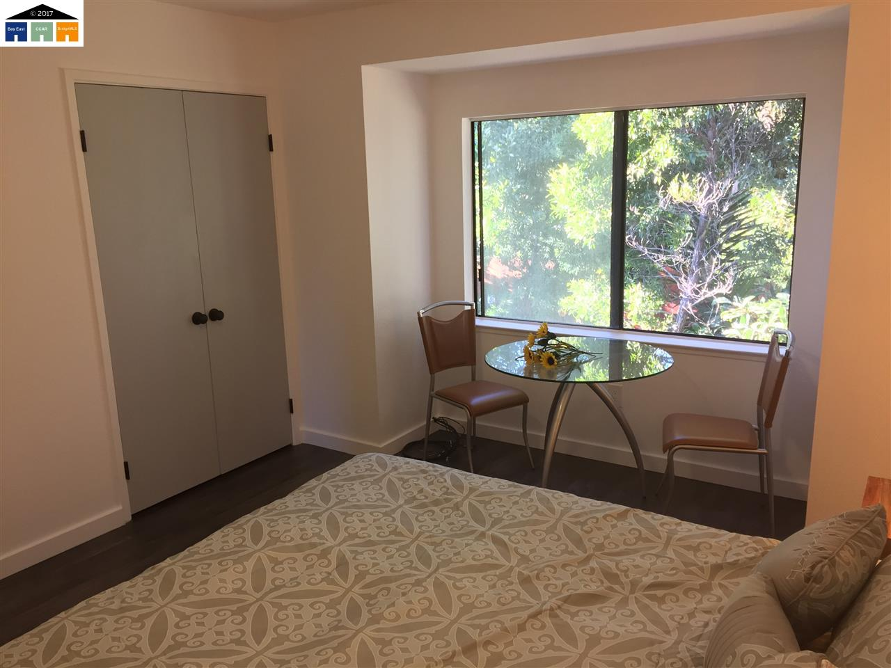 Additional photo for property listing at 3129 Cuthbert 3129 Cuthbert Oakland, California 94602 Estados Unidos