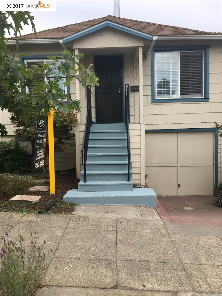 Maison unifamiliale pour l Vente à 2116 48Th Avenue Oakland, Californie 94601 États-Unis