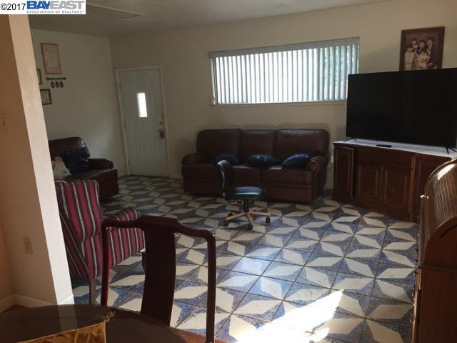 Additional photo for property listing at 1459 Leonard Drive  San Leandro, California 94577 United States