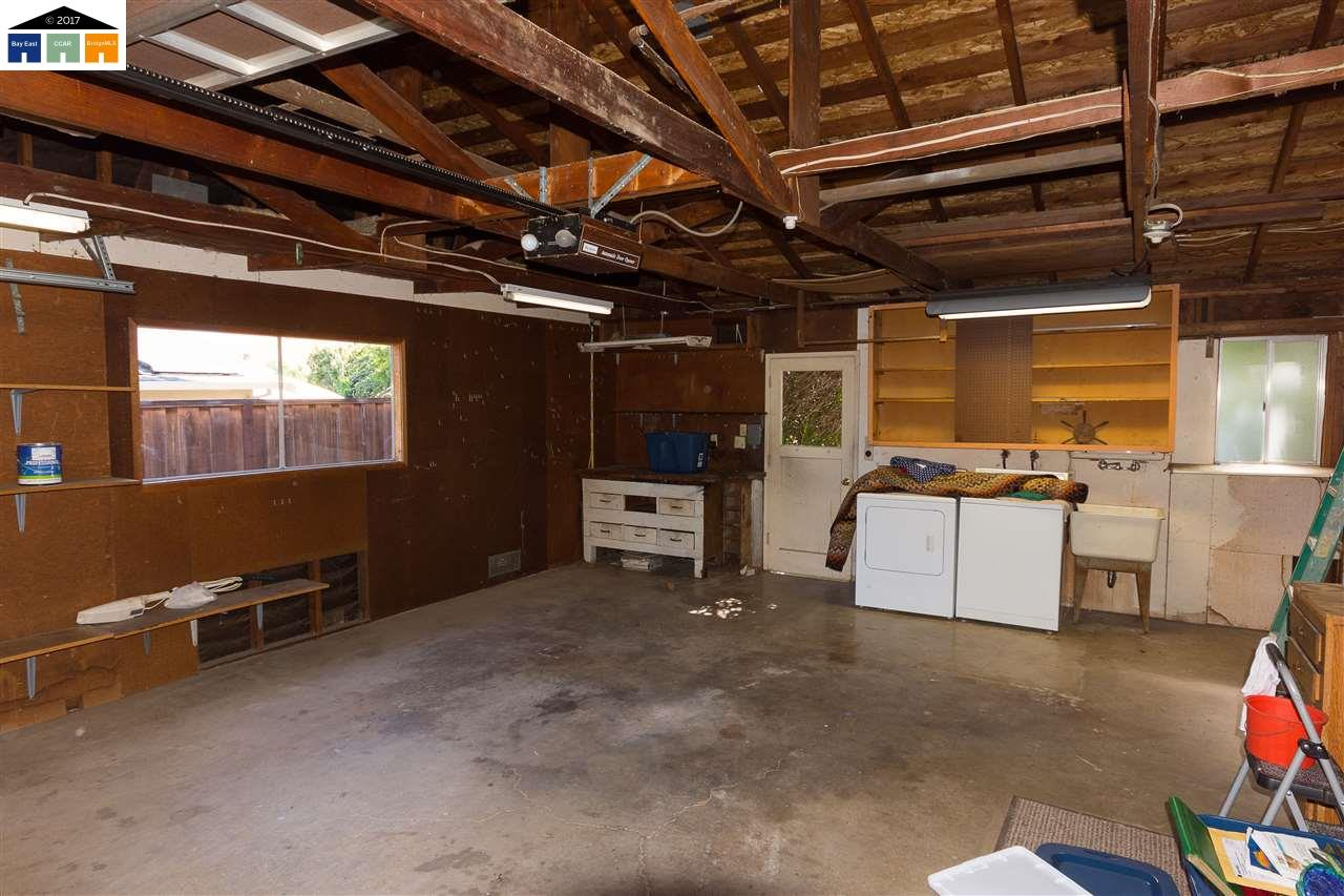 Additional photo for property listing at 966 Kenston Drive  Clayton, California 94517 United States