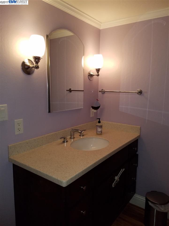Additional photo for property listing at 19100 Crest Ave. #59  Castro Valley, Californie 94546 États-Unis