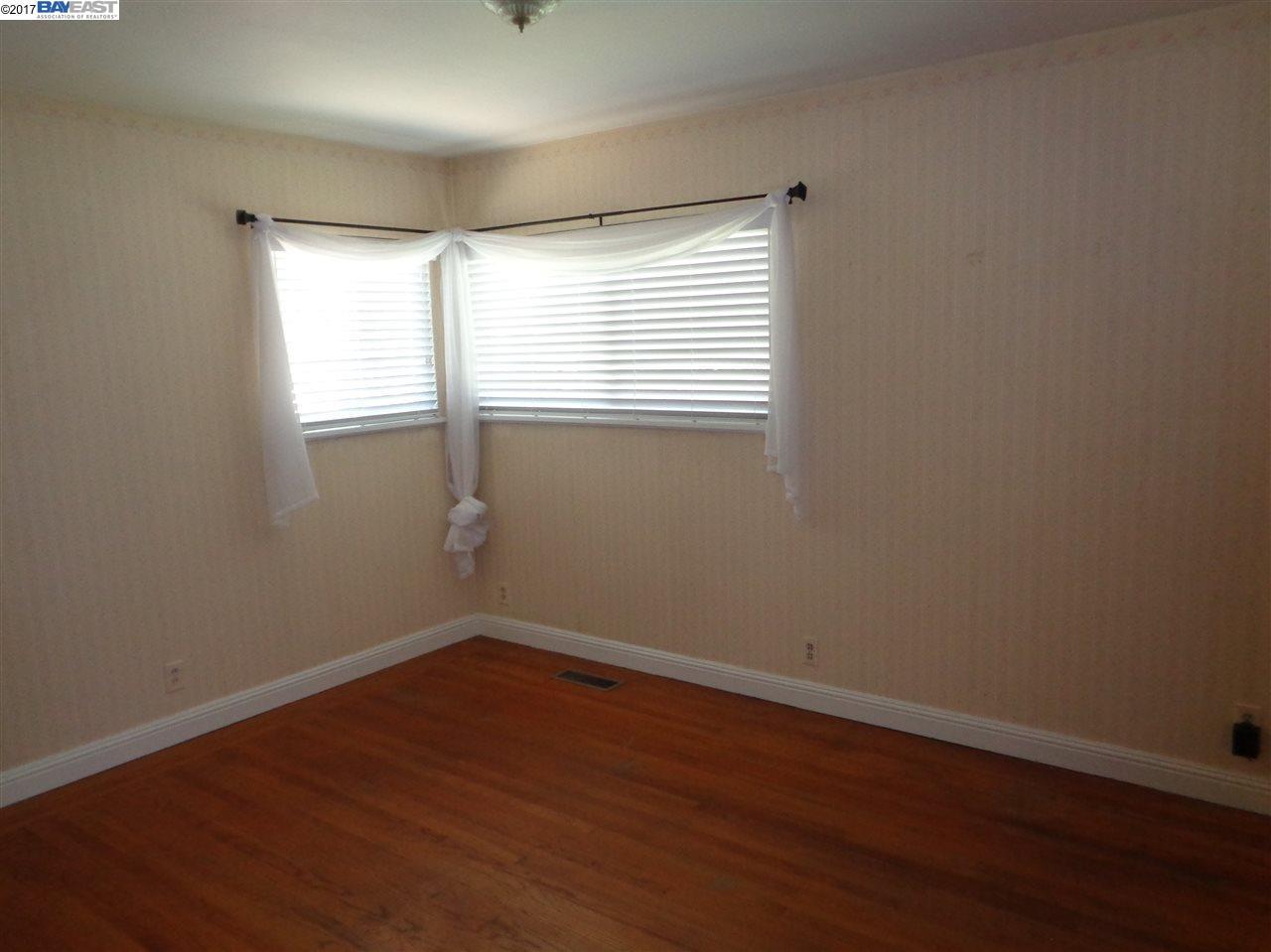 Additional photo for property listing at 17313 Via Carmen  San Lorenzo, Kalifornien 94544 Vereinigte Staaten