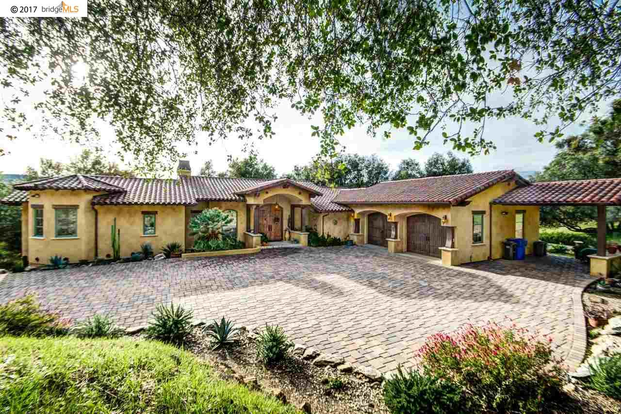 Single Family Home for Sale at 1170 Gold Cliff Road 1170 Gold Cliff Road Angels Camp, California 95222 United States