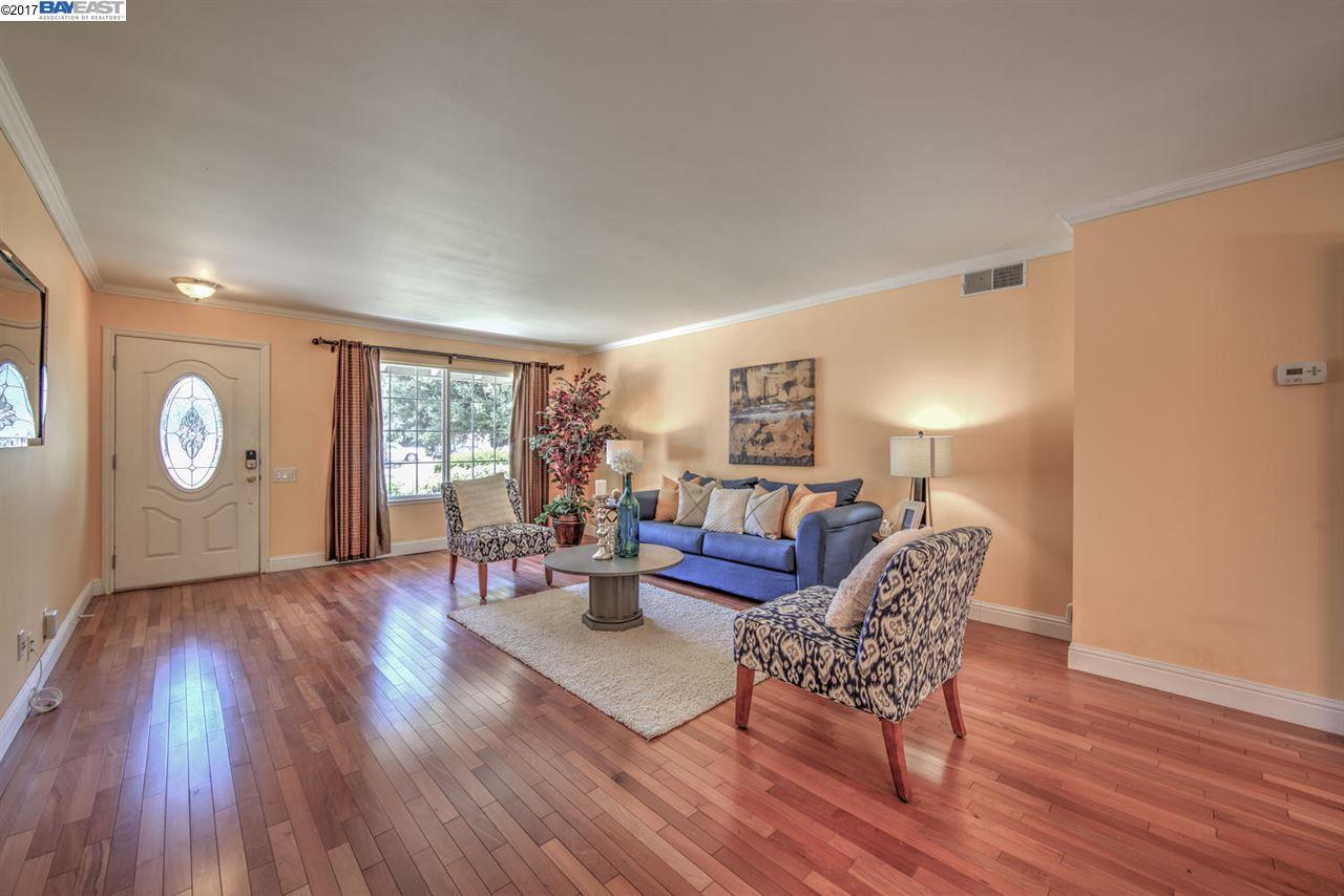 Additional photo for property listing at 306 Turnstone Drive  Livermore, California 94551 Estados Unidos