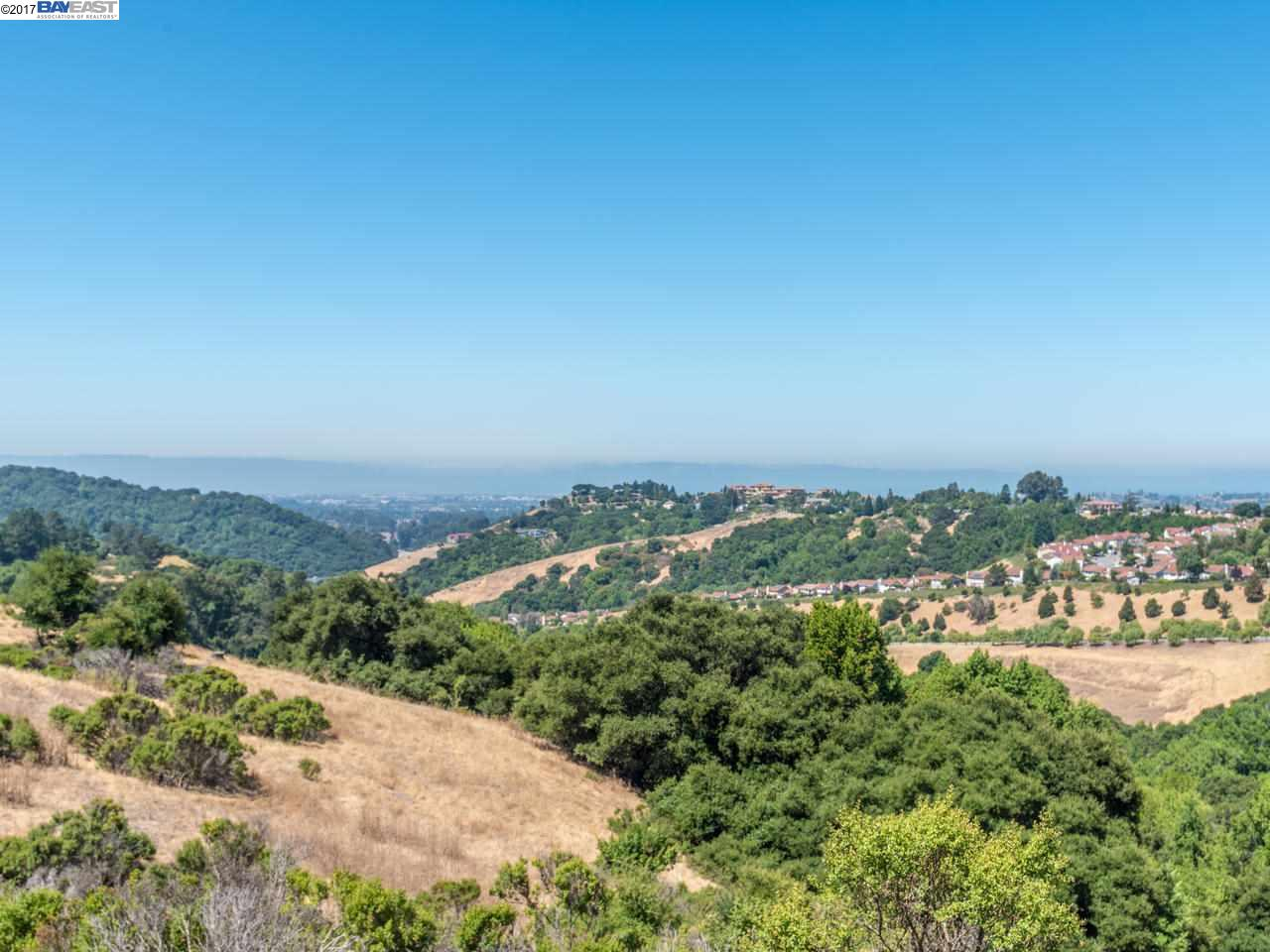 Additional photo for property listing at 22245 W Lyndon Loop  Castro Valley, カリフォルニア 94552 アメリカ合衆国
