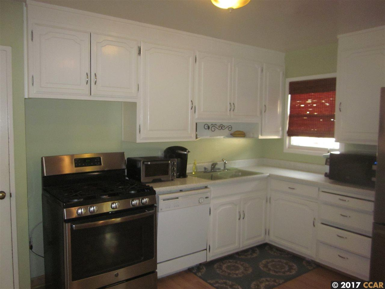 Additional photo for property listing at 15840 Via Media  San Lorenzo, カリフォルニア 94580 アメリカ合衆国