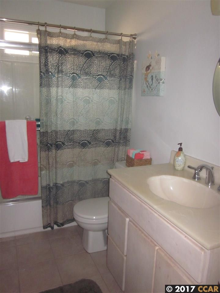 Additional photo for property listing at 15840 Via Media  San Lorenzo, Калифорния 94580 Соединенные Штаты
