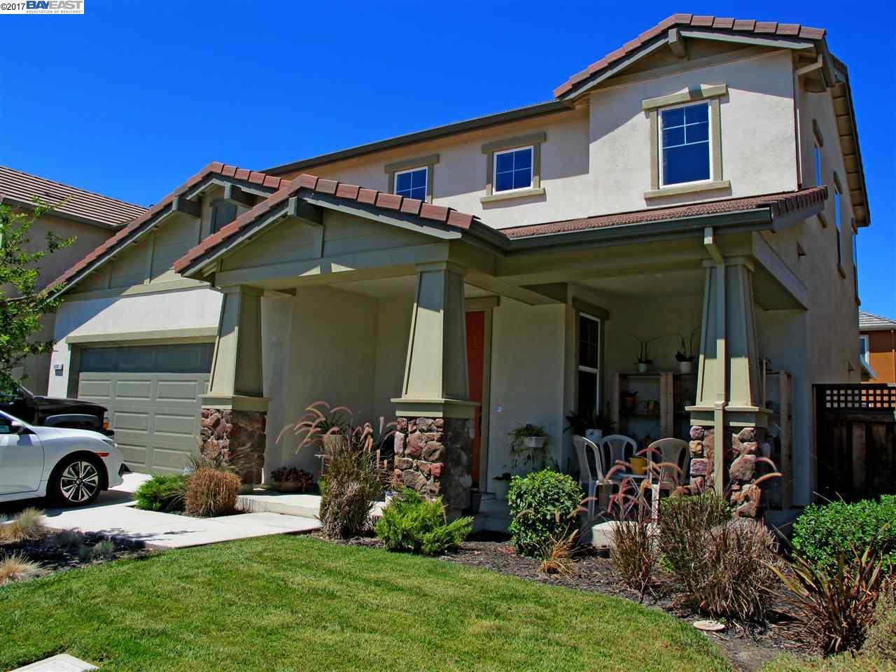 Maison unifamiliale pour l Vente à 18301 Exeter Court Lathrop, Californie 95330 États-Unis