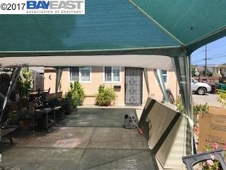 Additional photo for property listing at 2049 94th Avenue  Oakland, California 94603 United States