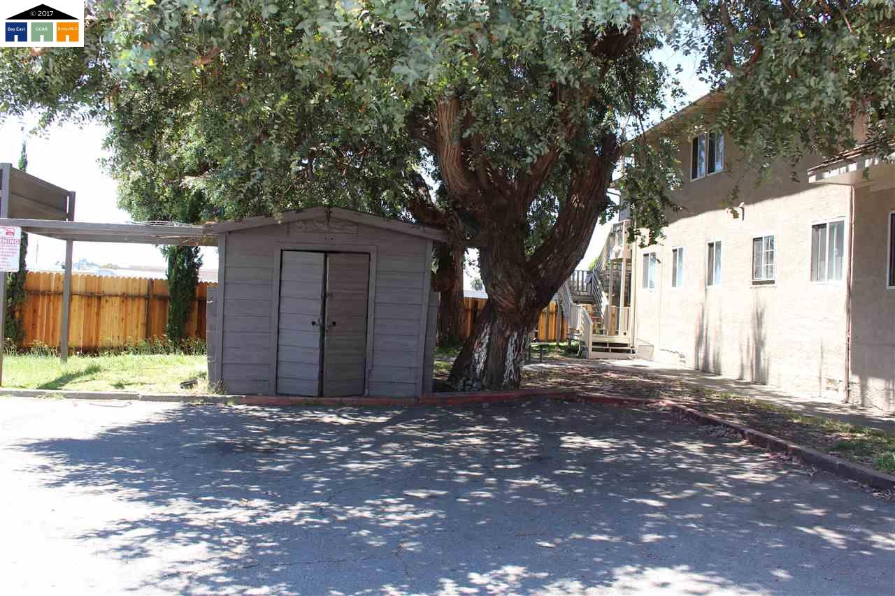 Additional photo for property listing at 2520 Ohio Avenue 2520 Ohio Avenue Richmond, California 94804 United States