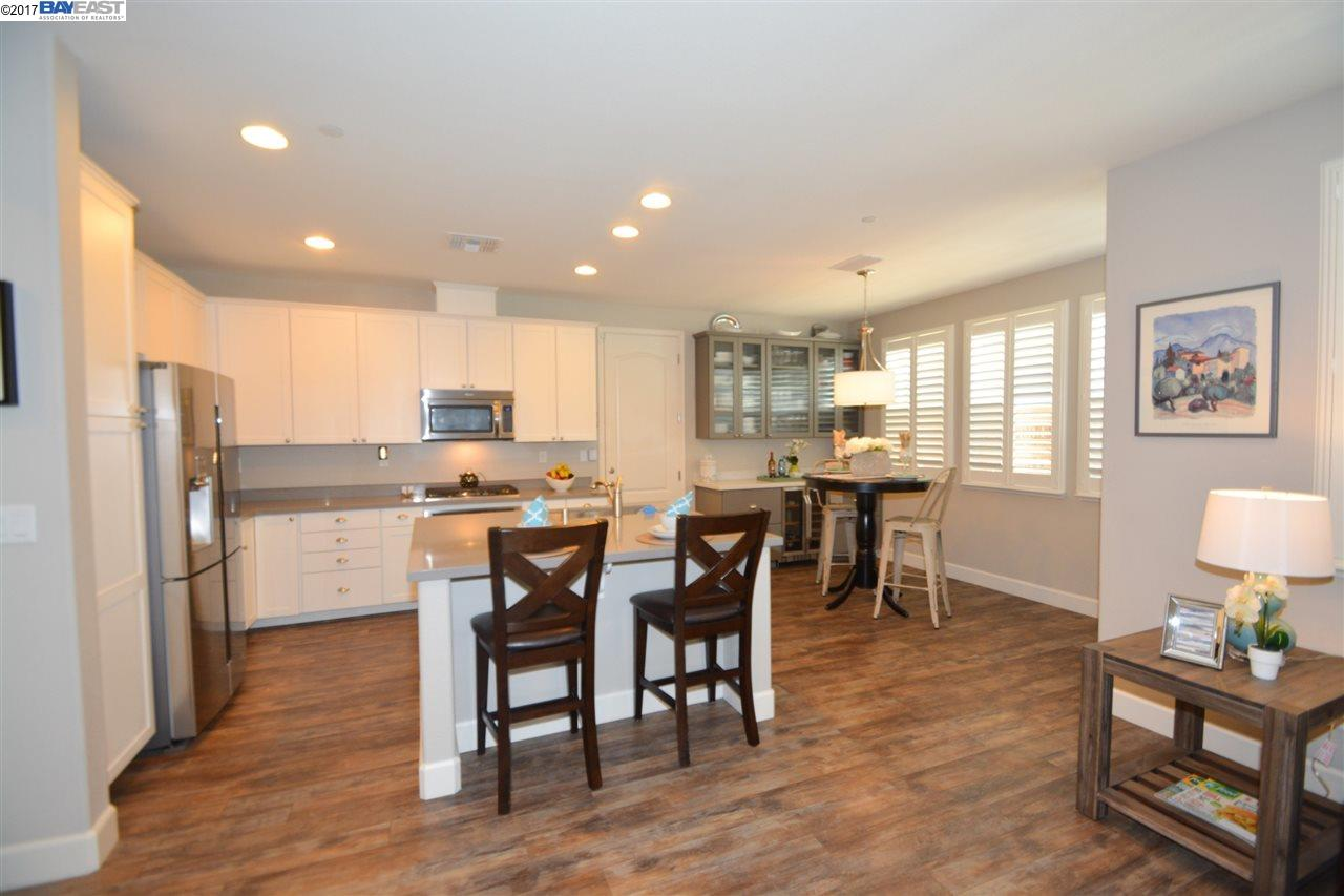 Additional photo for property listing at 354 Misty Circle  Livermore, Californie 94550 États-Unis