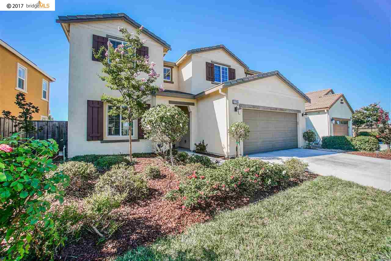 獨棟家庭住宅 為 出售 在 2106 Harborage Way Oakley, 加利福尼亞州 94561 美國