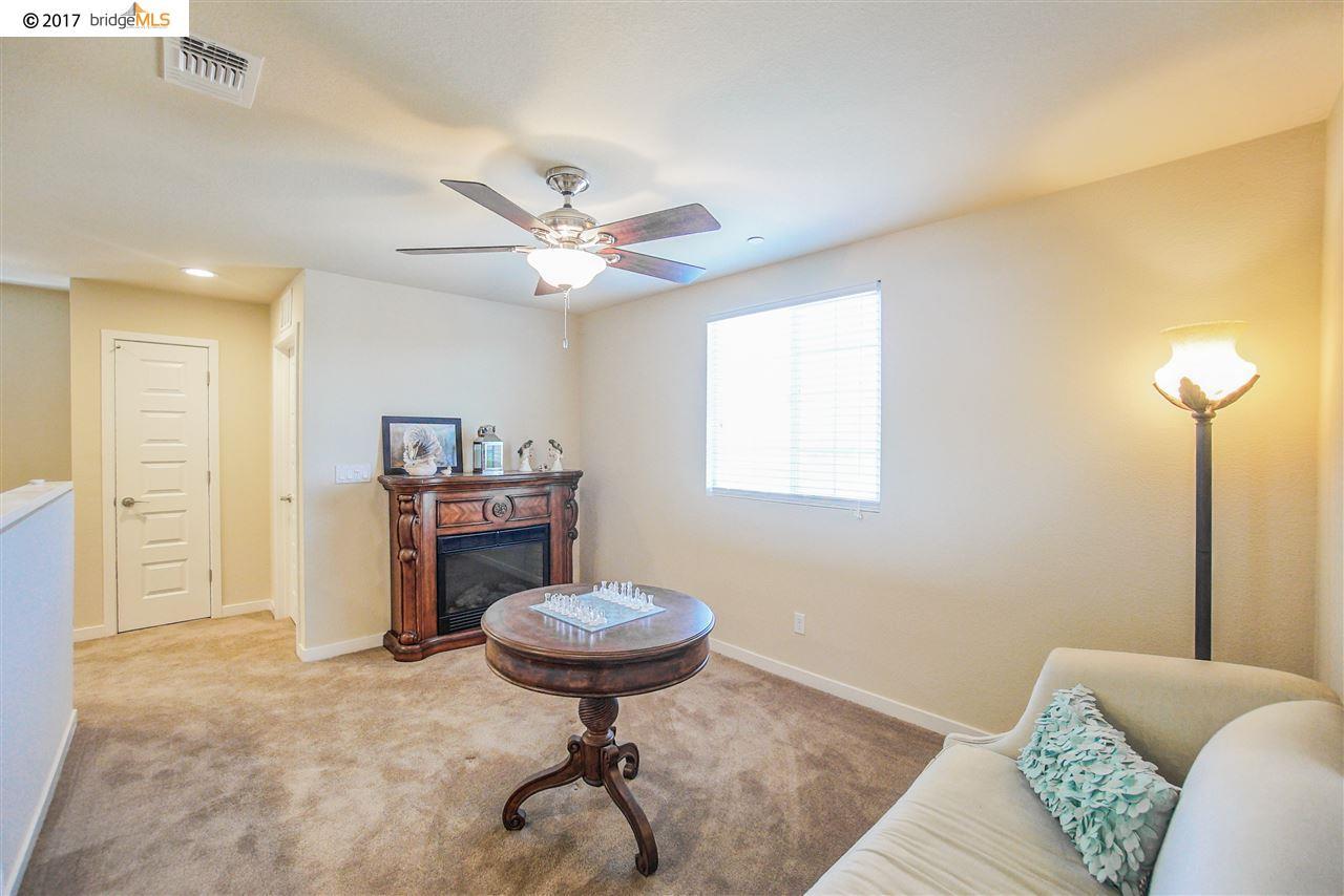 Additional photo for property listing at 2106 Harborage Way  Oakley, California 94561 Estados Unidos