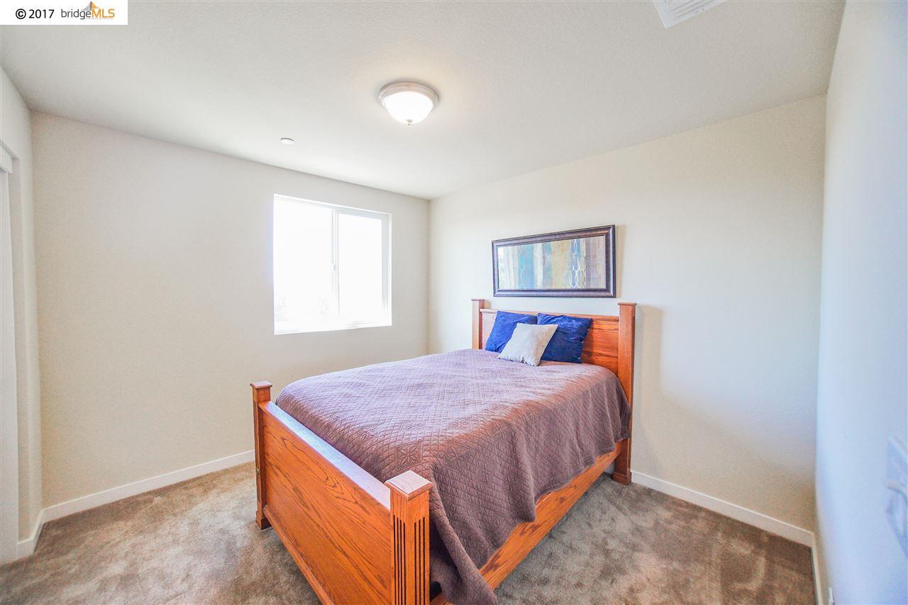 Additional photo for property listing at 2106 Harborage Way  Oakley, 加利福尼亞州 94561 美國