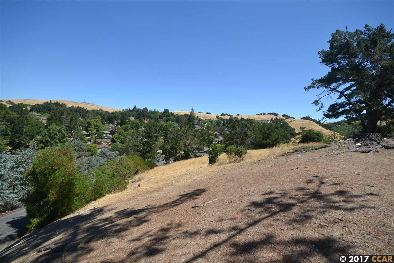 Additional photo for property listing at 2718 Simas Avenue 2718 Simas Avenue Pinole, California 94564 United States