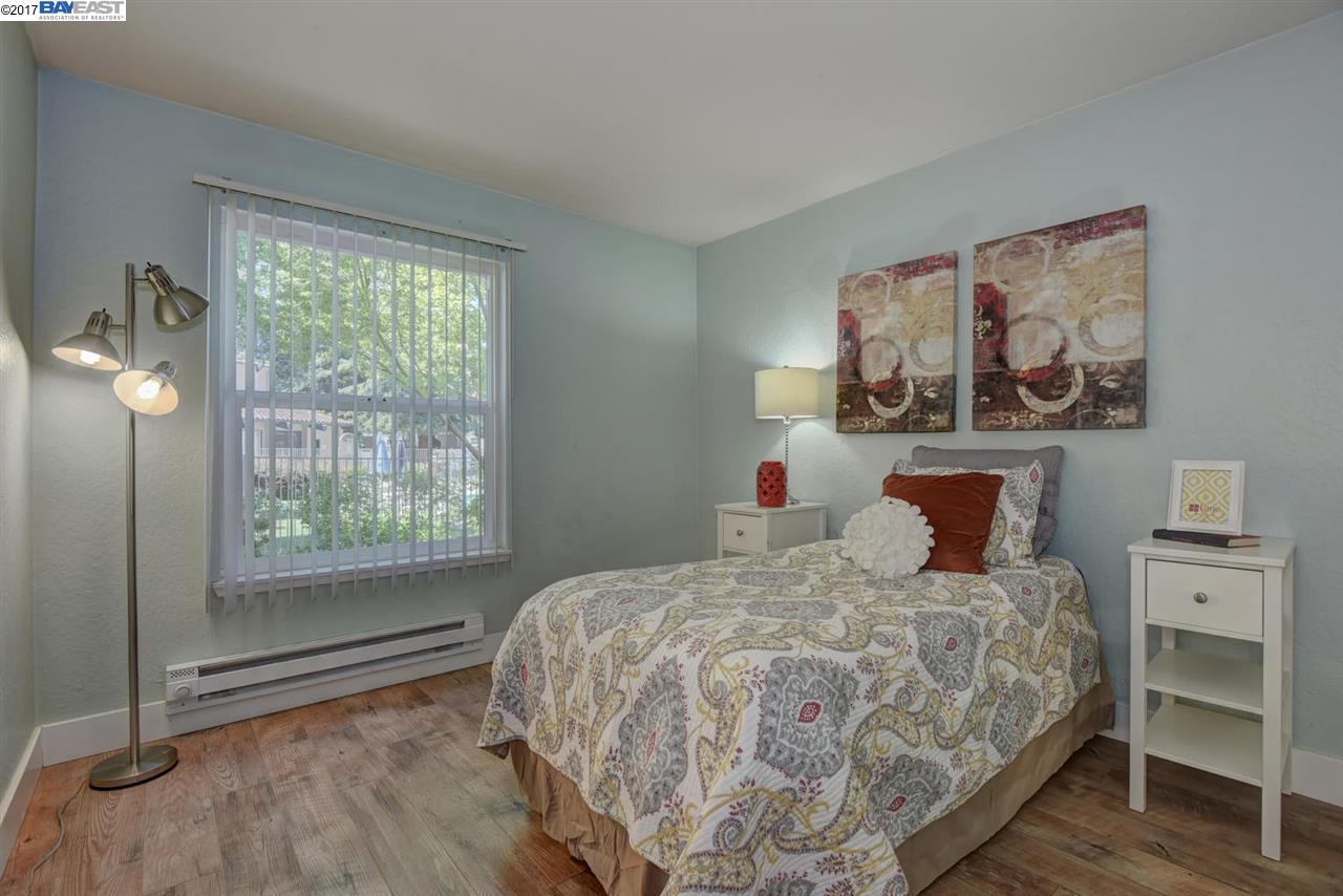 Additional photo for property listing at 1085 Murrieta Blvd  Livermore, Kalifornien 94550 Vereinigte Staaten