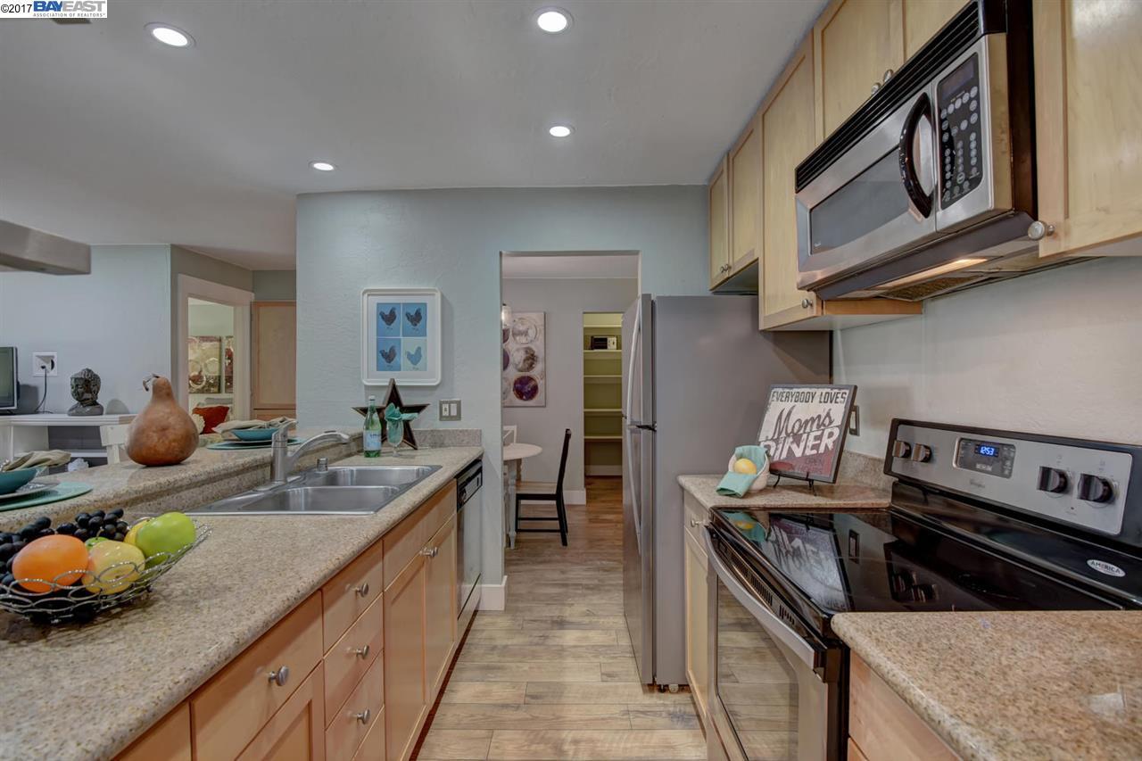Additional photo for property listing at 1085 Murrieta Blvd  Livermore, California 94550 Estados Unidos