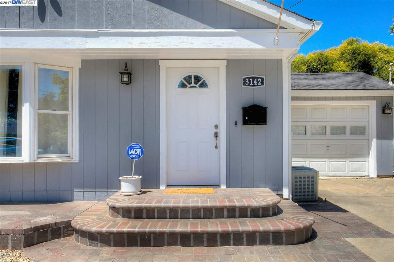 Additional photo for property listing at 3142 Pine Street 3142 Pine Street Martinez, California 94553 United States