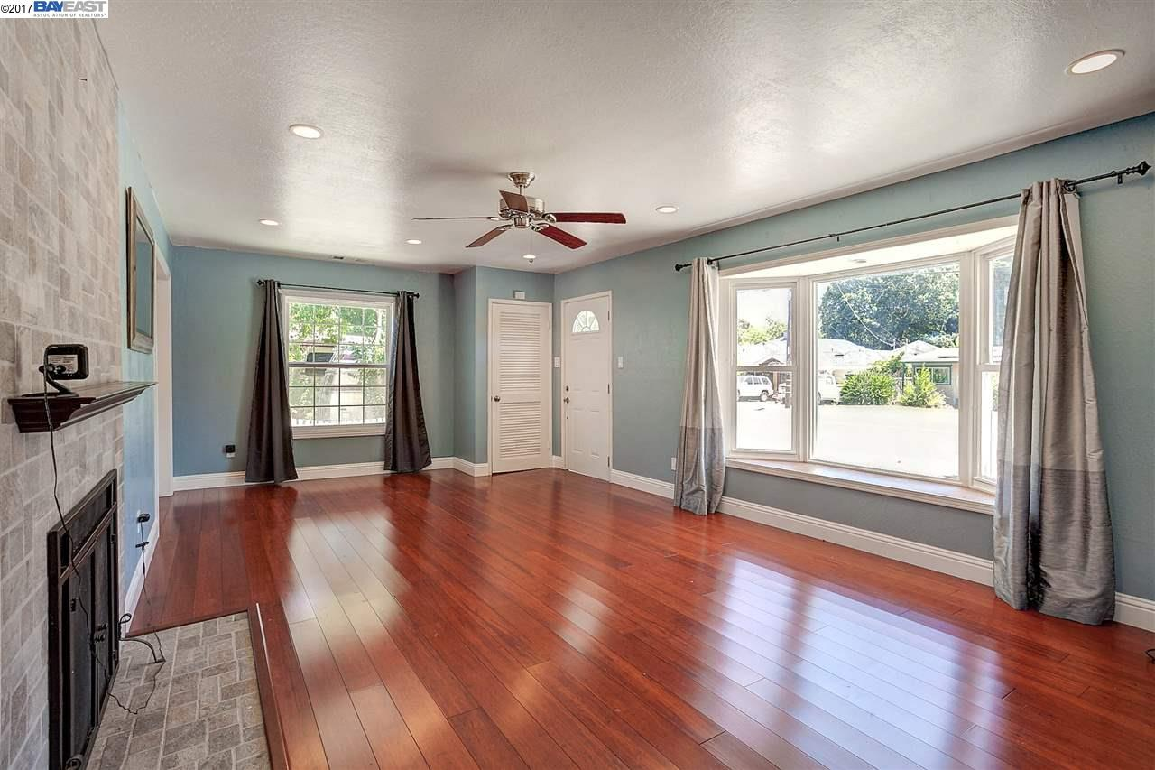 Additional photo for property listing at 3142 Pine Street 3142 Pine Street Martinez, Kalifornien 94553 Vereinigte Staaten