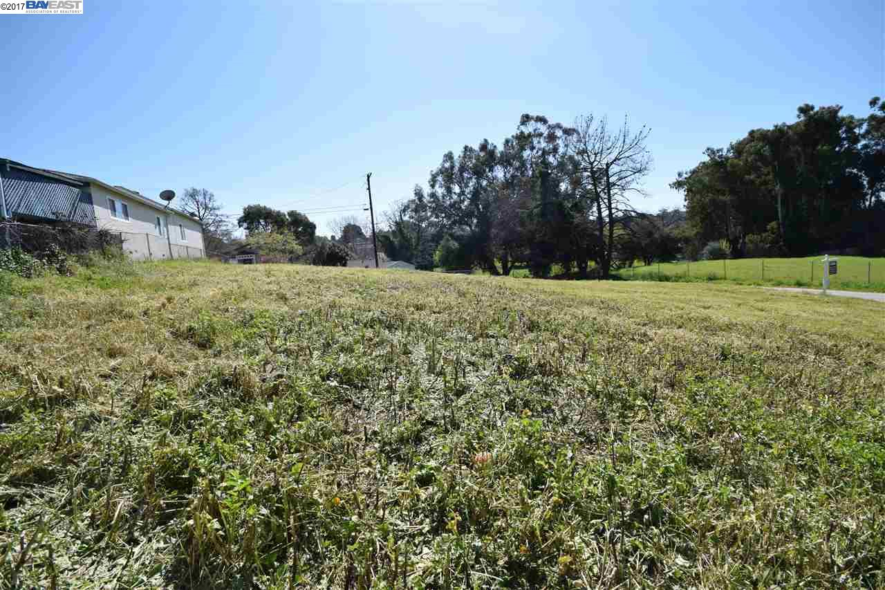 Additional photo for property listing at 1404 Clay St- 2 Lots  Hayward, Californie 94541 États-Unis