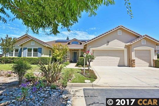 Single Family Home for Sale at 5 Pardi Lane Clayton, California 94517 United States