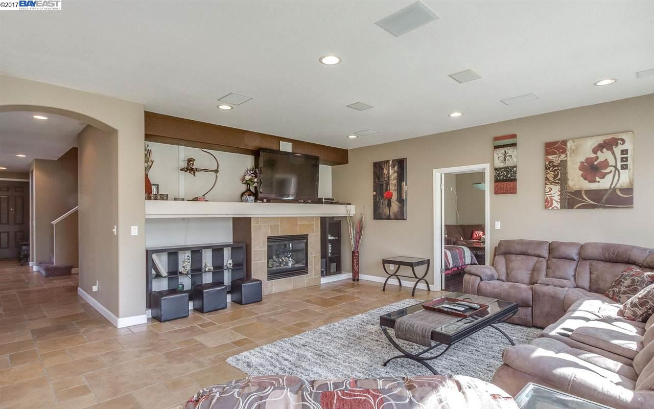 Additional photo for property listing at 4511 Triple Crown Court  Antioch, California 94531 United States