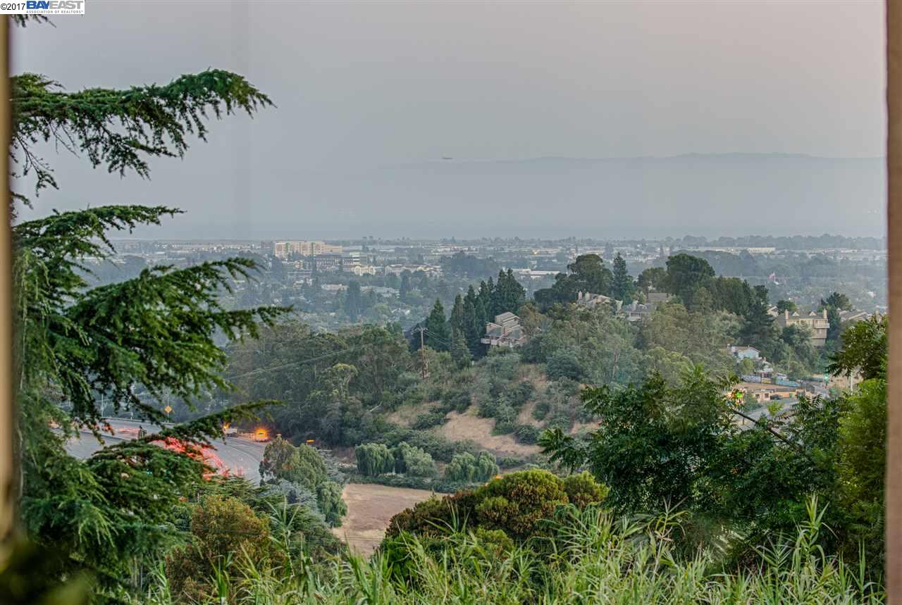 Additional photo for property listing at 3568 Calandria Avenue  Oakland, カリフォルニア 94605 アメリカ合衆国