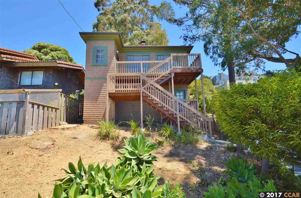 Maison unifamiliale pour l Vente à 420 Western Drive Point Richmond, Californie 94801 États-Unis