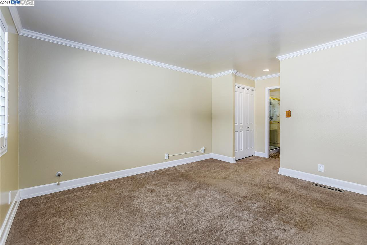 Additional photo for property listing at 7333 Tulipwood Circle  Pleasanton, カリフォルニア 94588 アメリカ合衆国