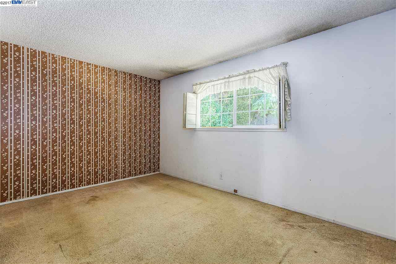 Additional photo for property listing at 7333 Tulipwood Circle  Pleasanton, Kalifornien 94588 Vereinigte Staaten