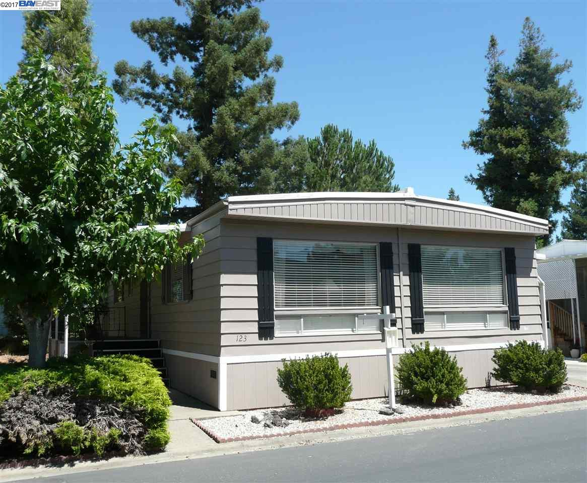 Additional photo for property listing at 3231 Vineyard Ave., #123  Pleasanton, カリフォルニア 94566 アメリカ合衆国