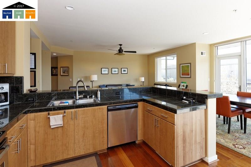 Additional photo for property listing at 3090 Glascock Street  Oakland, California 94601 Estados Unidos