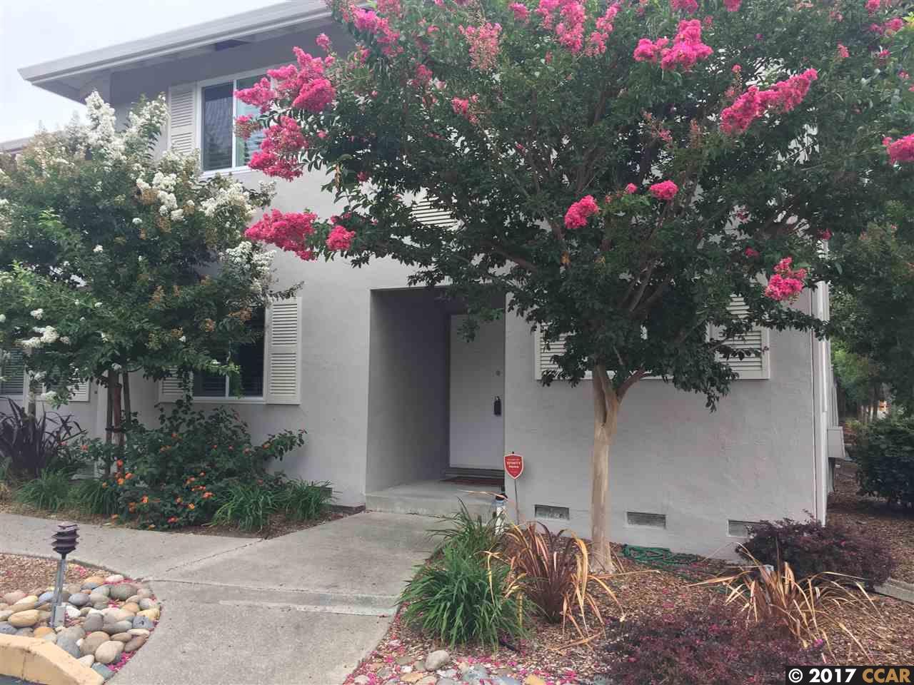 タウンハウス のために 売買 アット 27 Miramonte Drive 27 Miramonte Drive Moraga, カリフォルニア 94556 アメリカ合衆国