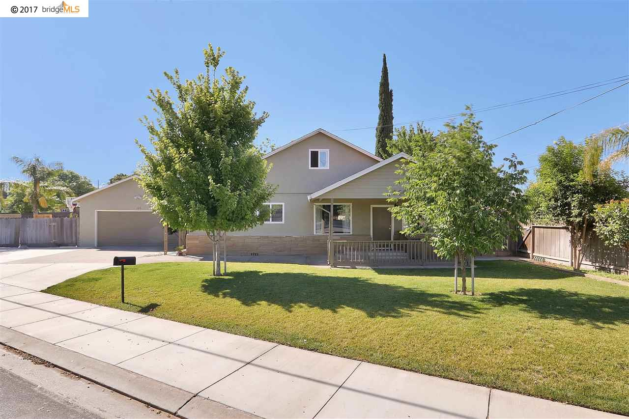 Single Family Home for Sale at 326 W Milgeo Avenue Ripon, California 95366 United States
