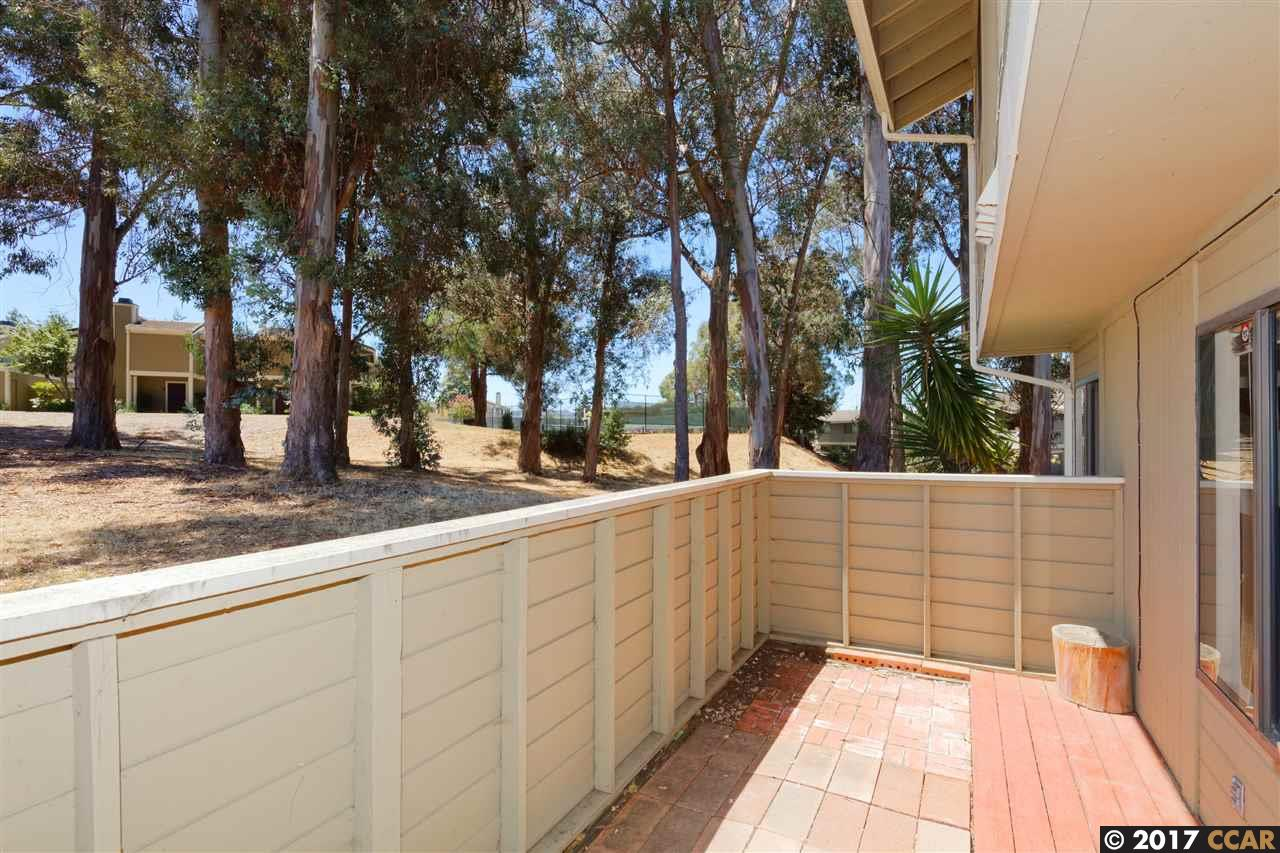 Additional photo for property listing at 803 Orion  Hercules, カリフォルニア 94547 アメリカ合衆国