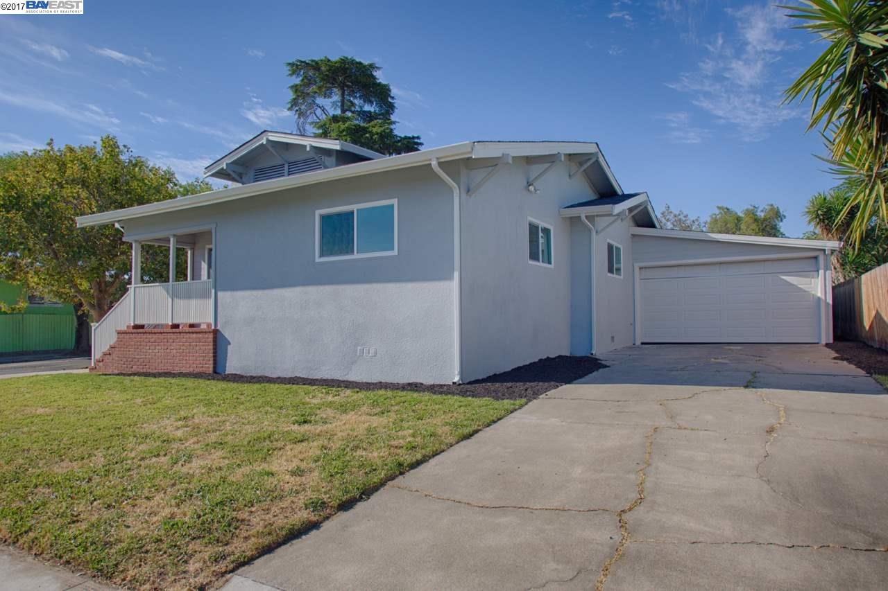 Additional photo for property listing at 215 W 10Th Street  Pittsburg, カリフォルニア 94565 アメリカ合衆国