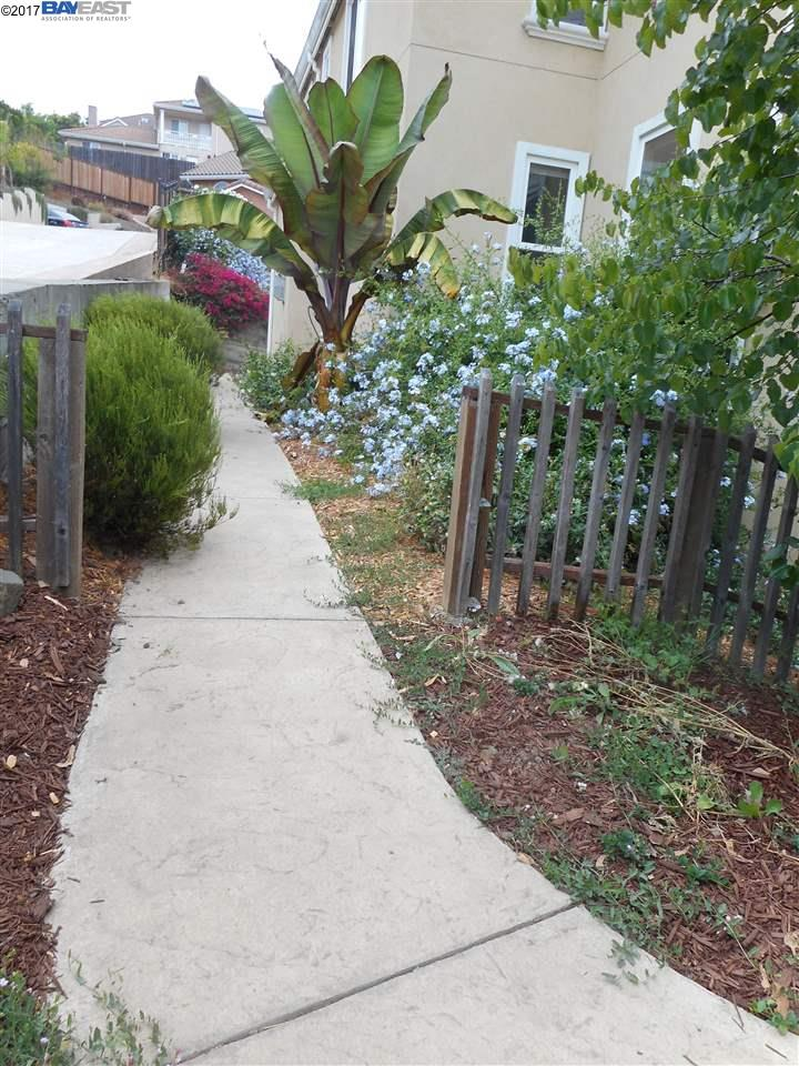 Additional photo for property listing at 27097 Call Avenue  Hayward, California 94524 United States