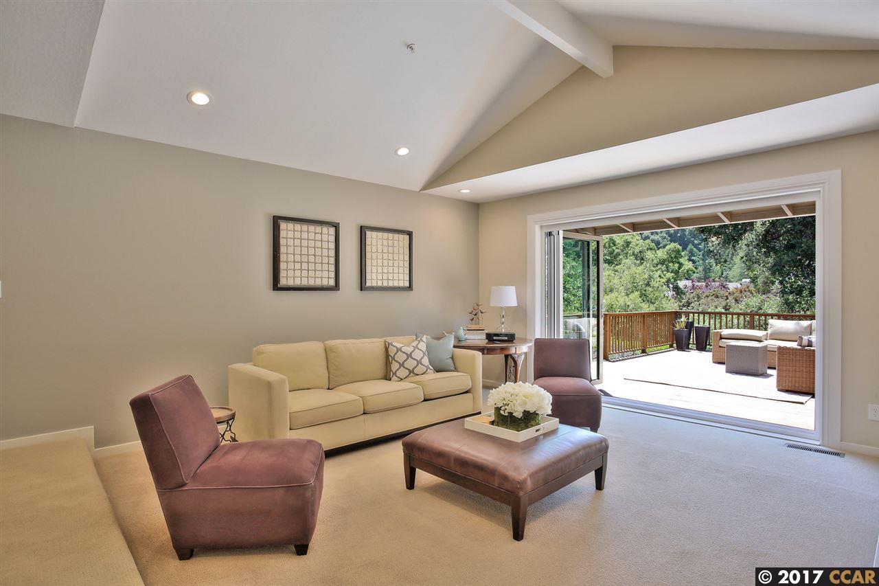 Additional photo for property listing at 10 Brandt Drive  Moraga, California 94556 United States