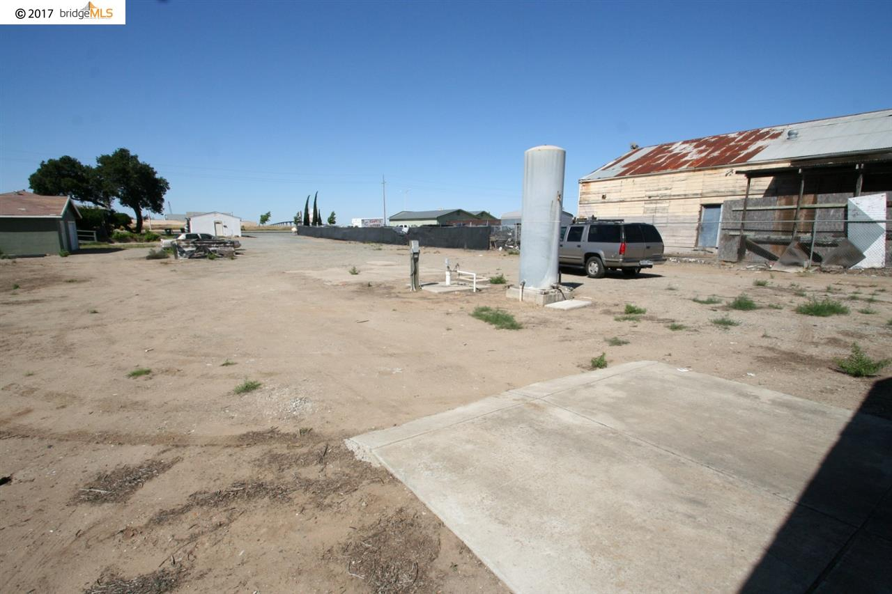 Additional photo for property listing at 3410 E 18th Street  Antioch, California 94509 United States