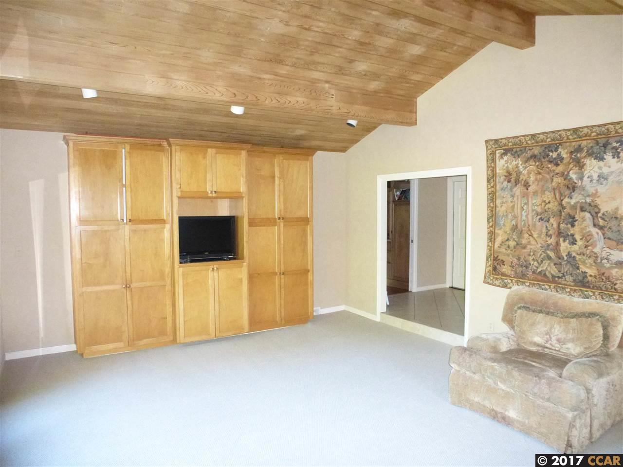 Additional photo for property listing at 315 Bedford Place 315 Bedford Place Moraga, カリフォルニア 94556 アメリカ合衆国