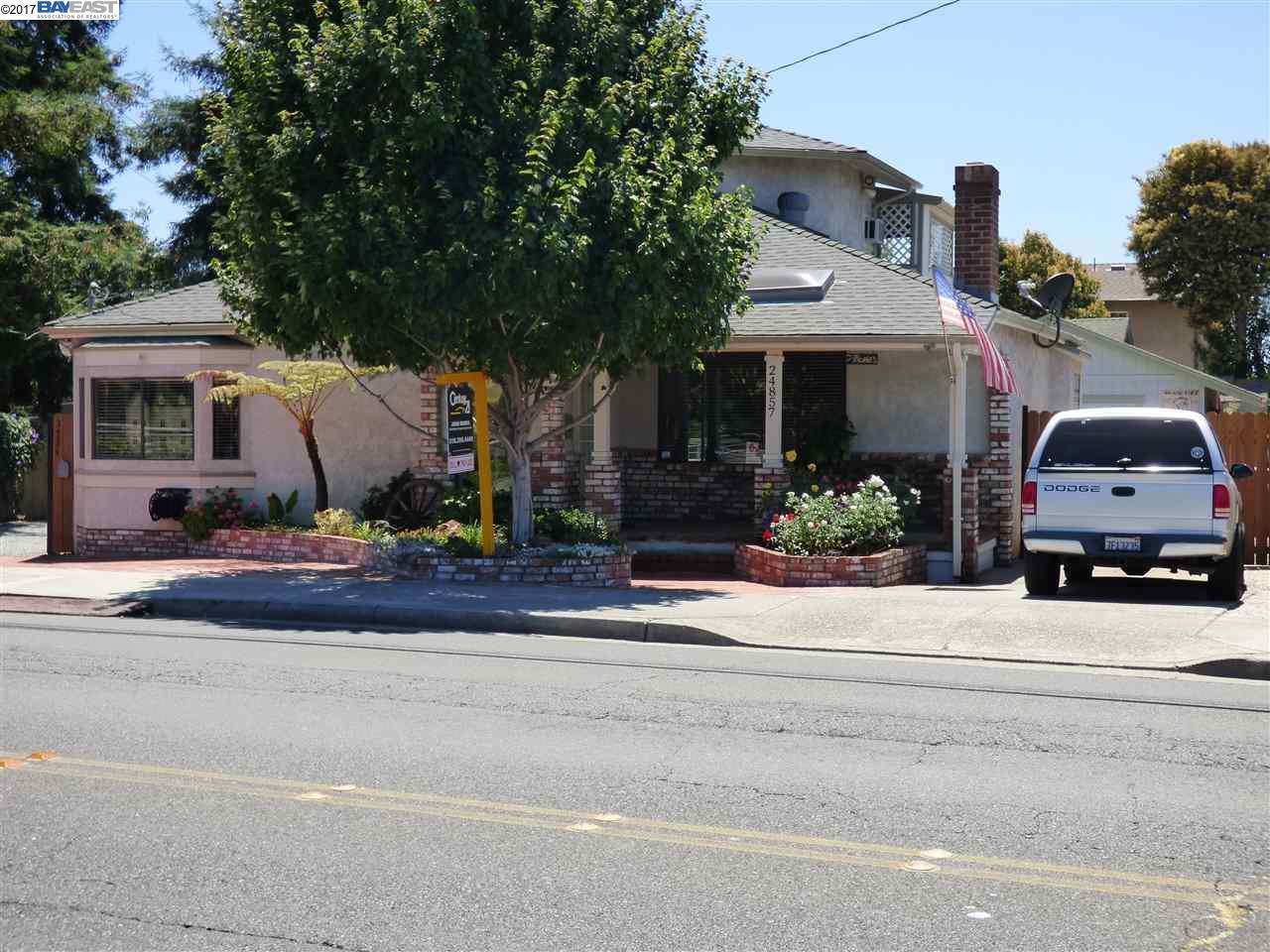 Maison avec plusieurs logements pour l Vente à 24857 Whitman Street Hayward, Californie 94544 États-Unis
