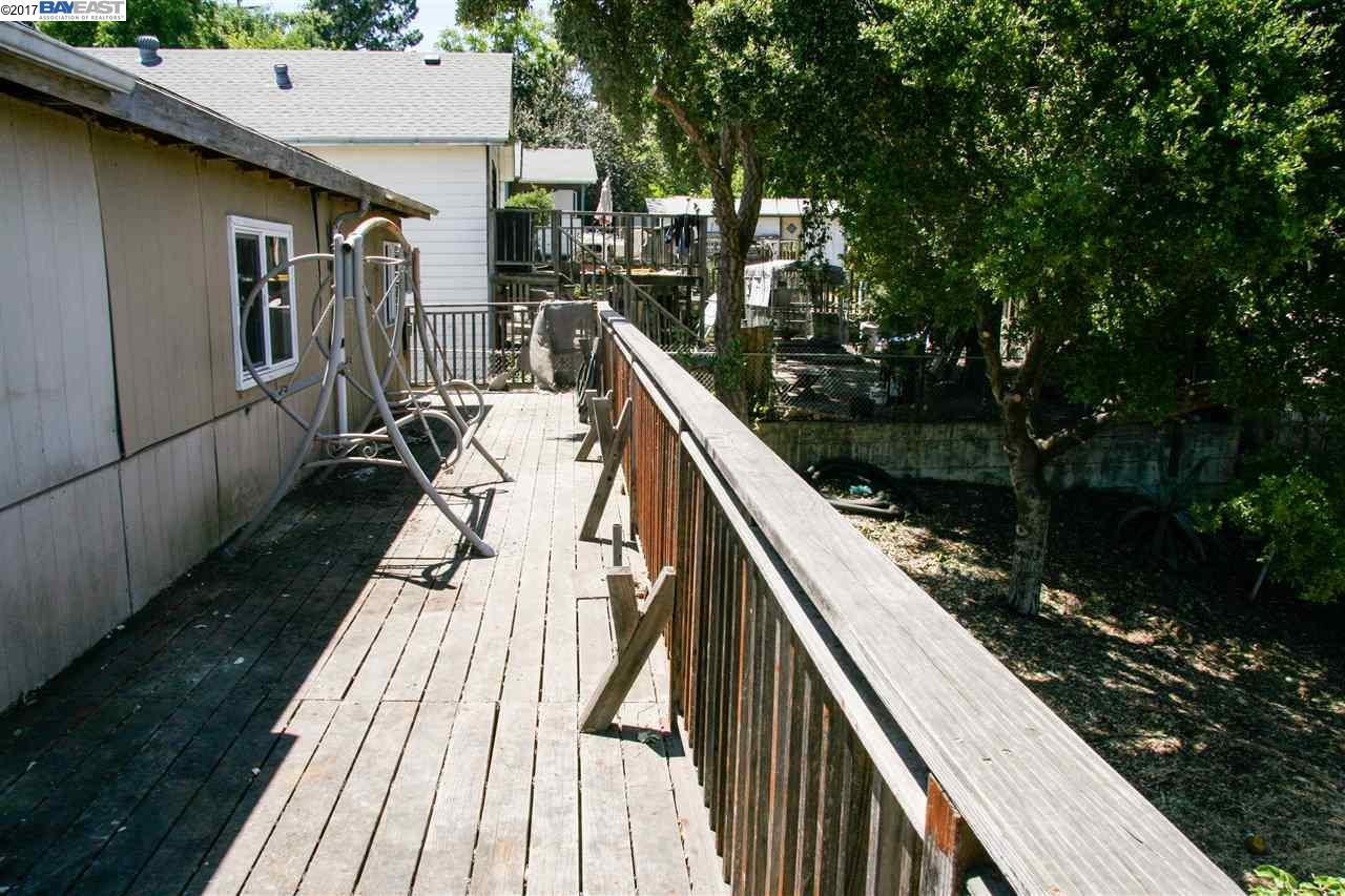 Additional photo for property listing at 2350 Wayne Street  Martinez, California 94553 United States