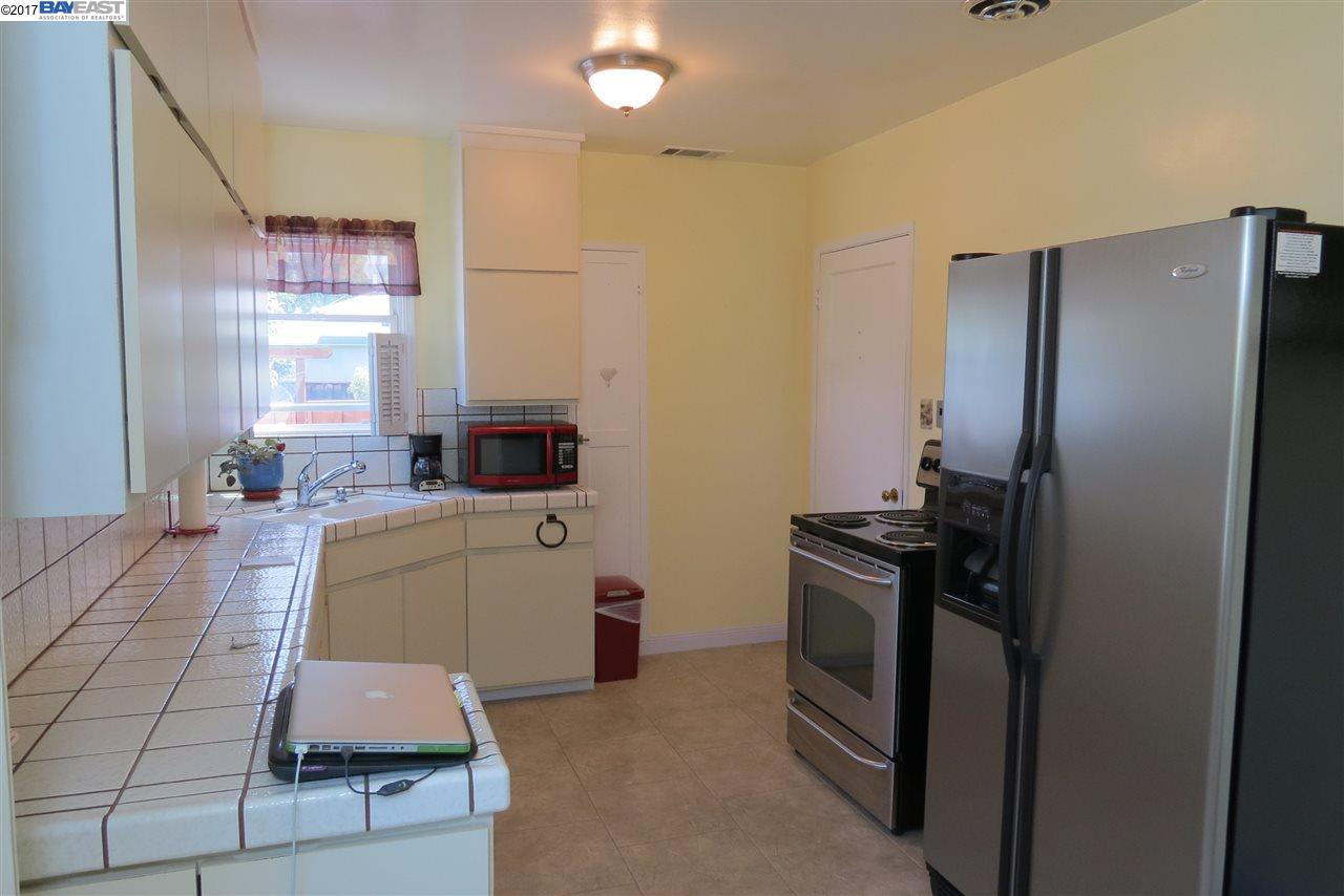 Additional photo for property listing at 1904 Bancroft Avenue  San Leandro, Калифорния 94577 Соединенные Штаты