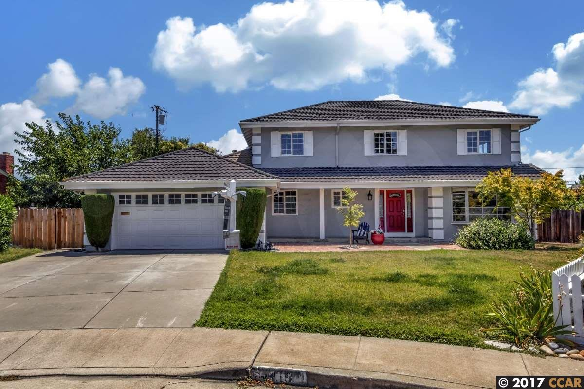 Single Family Home for Sale at 3410 Klamath Woods Place Concord, California 94518 United States
