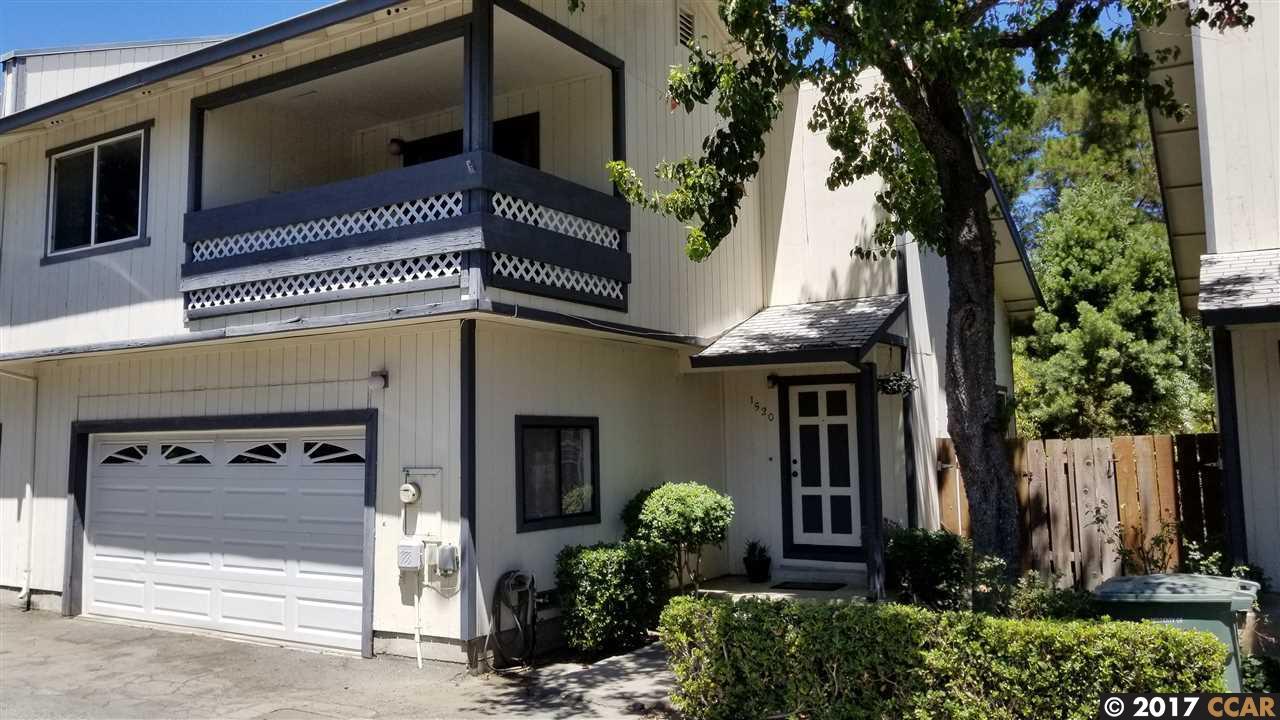Maison accolée pour l Vente à 1520 Farm Bureau Road Concord, Californie 94519 États-Unis